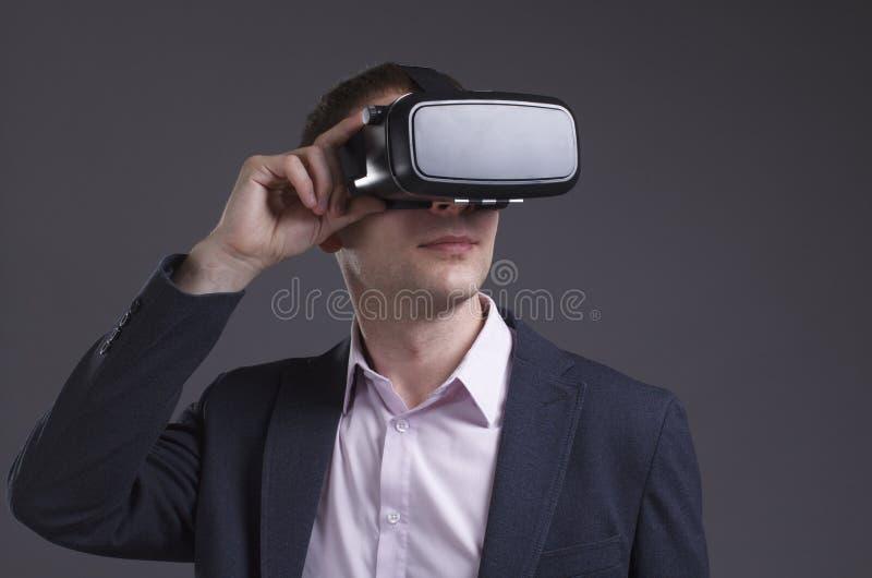 Έννοια επιχειρήσεων, τεχνολογίας, Διαδικτύου και δικτύων στοκ εικόνες