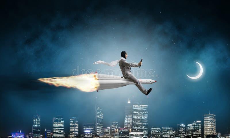 Έννοια επιχειρησιακής επιτυχίας και επιτεύγματος στόχων στοκ εικόνες
