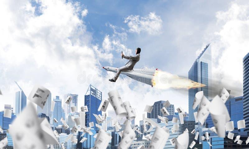 Έννοια επιχειρησιακής επιτυχίας και επιτεύγματος στόχων στοκ εικόνα