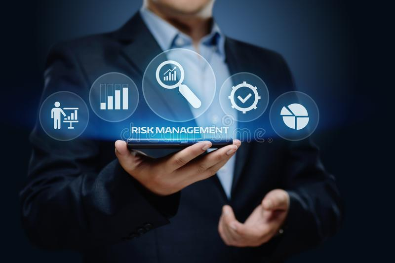 Έννοια επιχειρησιακής τεχνολογίας Διαδικτύου επένδυσης χρηματοδότησης σχεδίων στρατηγικής διαχείρησης κινδύνων στοκ εικόνες