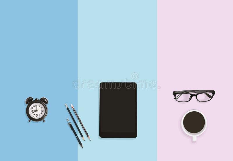 Έννοια επιχειρησιακών εργασιακών χώρων για το σύγχρονο γραφείο με το υπόβαθρο χρώματος κρητιδογραφιών με το διάστημα αντιγράφων ελεύθερη απεικόνιση δικαιώματος