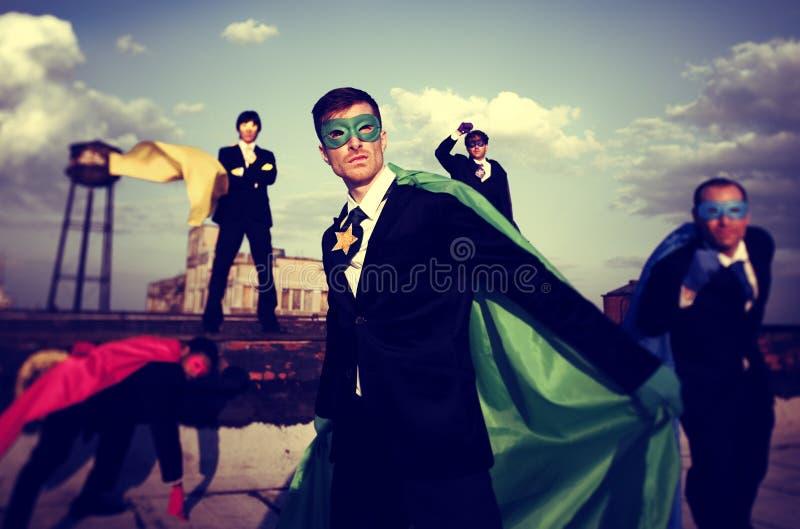 Έννοια εργασίας ομάδας εμπιστοσύνης Superhero επιχειρηματιών στοκ φωτογραφία