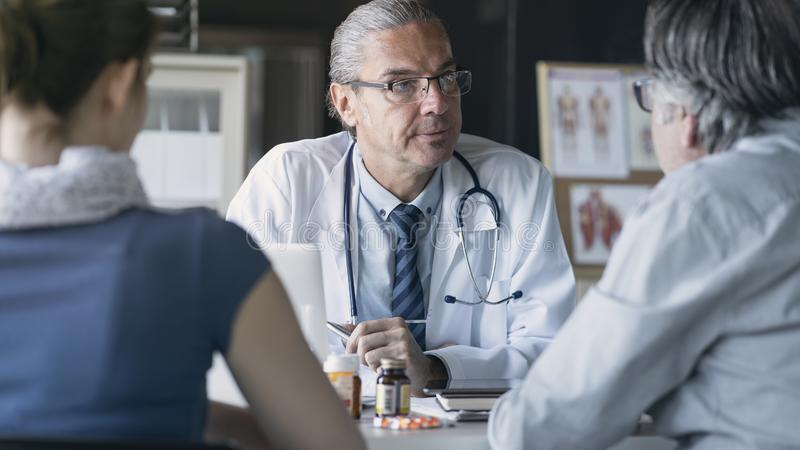 Έννοια ιατρικής υγειονομικής περίθαλψης υγείας γιατρών στοκ εικόνες με δικαίωμα ελεύθερης χρήσης