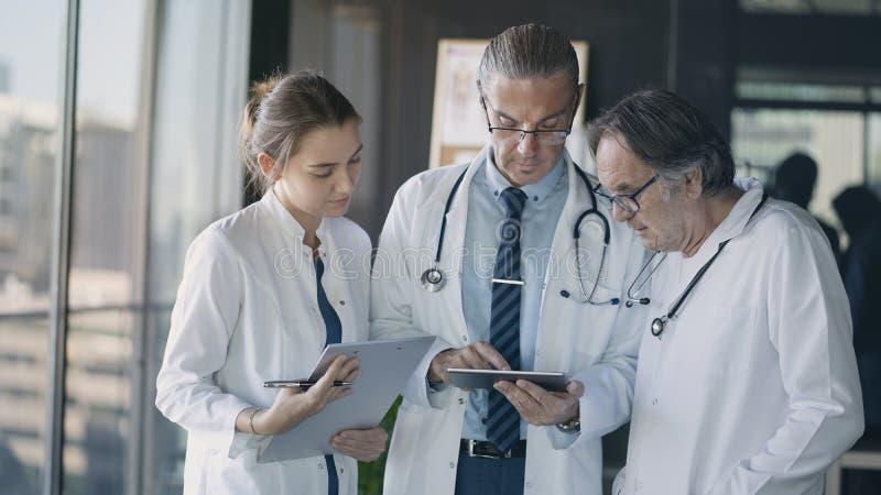 Έννοια ιατρικής υγειονομικής περίθαλψης υγείας γιατρών στοκ φωτογραφία