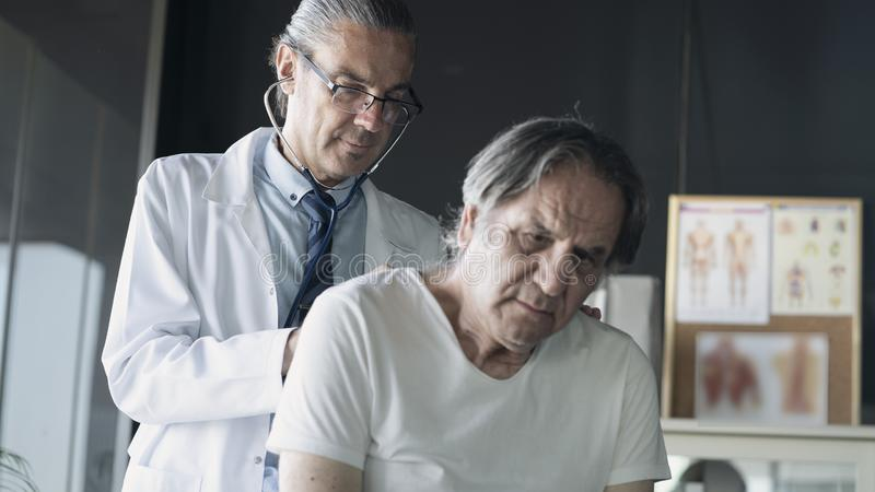 Έννοια ιατρικής υγειονομικής περίθαλψης υγείας γιατρών στοκ εικόνα με δικαίωμα ελεύθερης χρήσης