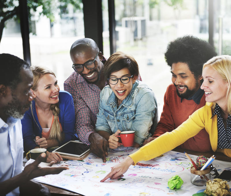 Έννοια ιδεών συνεδρίασης της επιχειρησιακής ομάδας ξεκινήματος στοκ φωτογραφίες