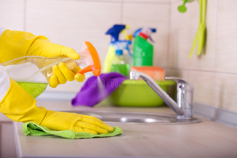 Έννοια καθαρισμού κουζινών στοκ φωτογραφίες