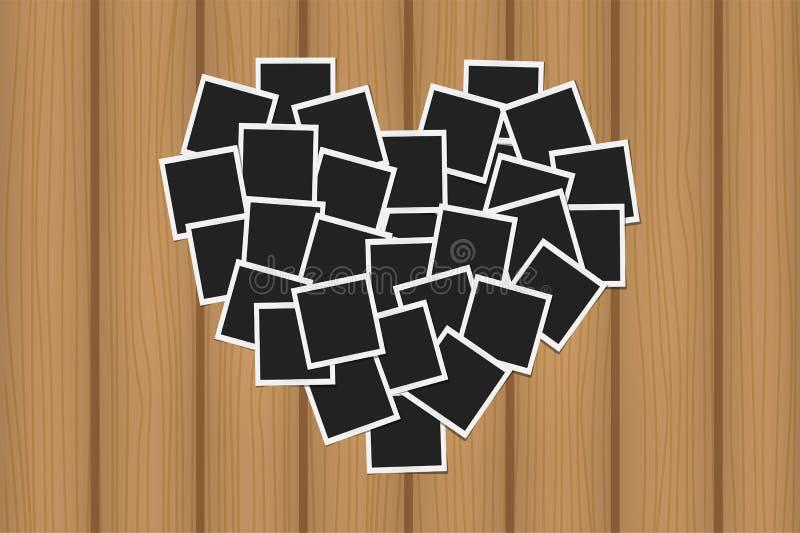 Έννοια καρδιών που γίνεται με τα πλαίσια φωτογραφιών στην καφετιά ξύλινη σύσταση Μνήμες, κάρτα, σχέδιο προτύπων αγάπης απεικόνιση αποθεμάτων