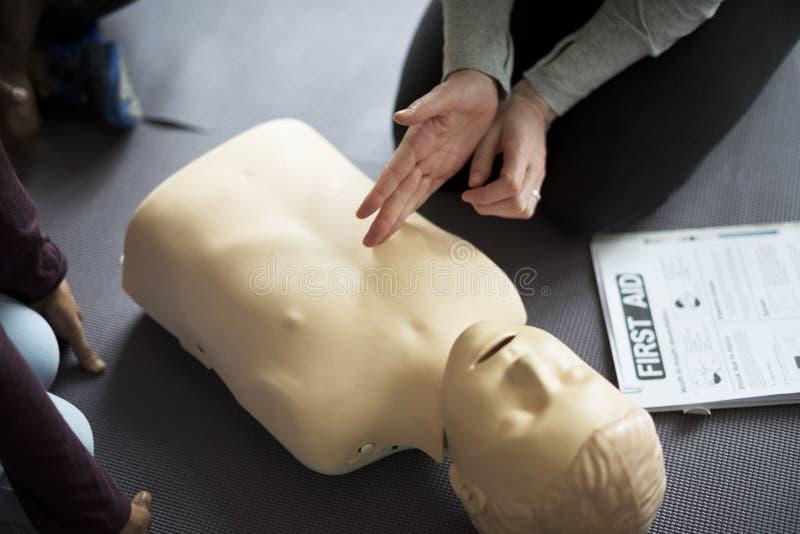 Έννοια κατάρτισης βοηθειών CPR πρώτος στοκ φωτογραφία με δικαίωμα ελεύθερης χρήσης