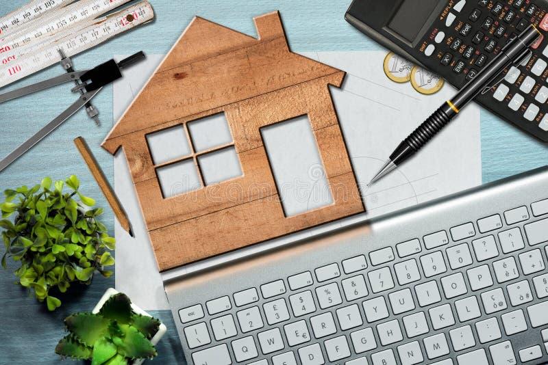 Έννοια Οικοδομικής Βιομηχανίας - ξύλινο πρότυπο σπιτιών στοκ εικόνες