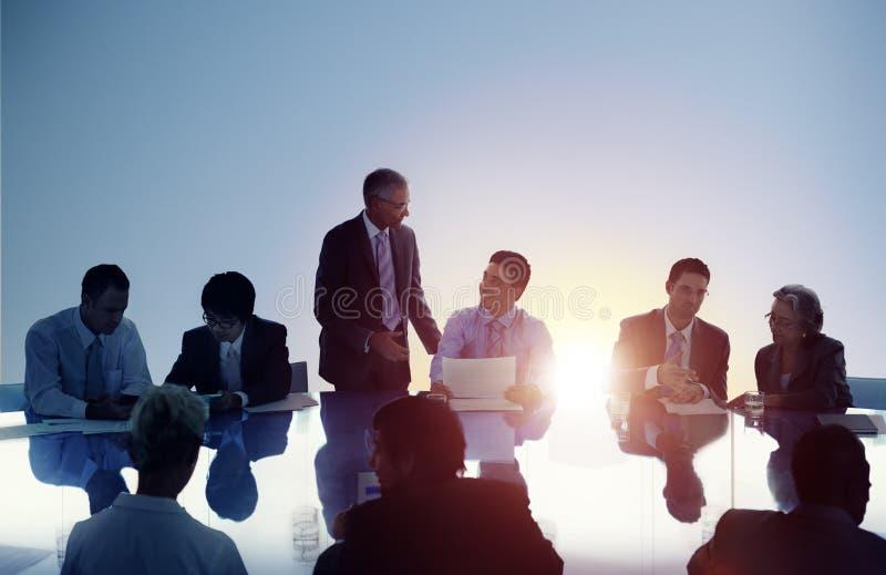 Έννοια ομαδικής εργασίας εργασίας συνεδρίασης των επιχειρηματιών στοκ φωτογραφίες με δικαίωμα ελεύθερης χρήσης