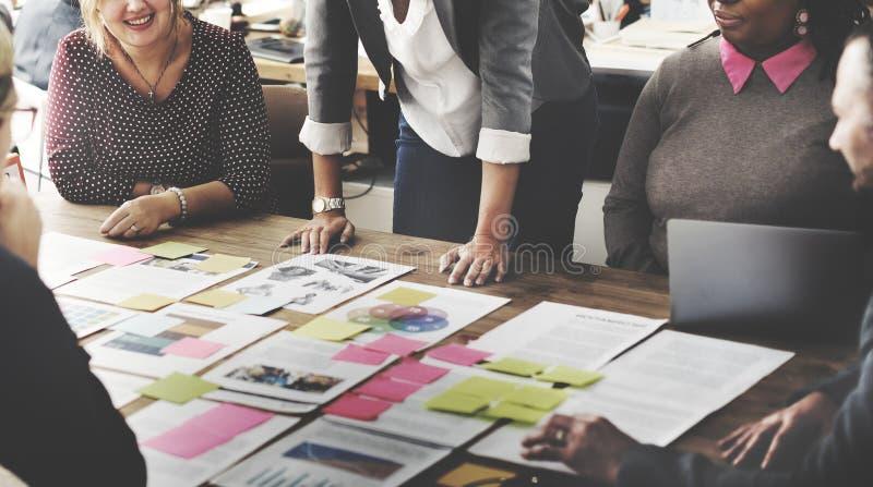 Έννοια προγραμματισμού προγράμματος συνεδρίασης της επιχειρησιακής ομάδας στοκ εικόνες