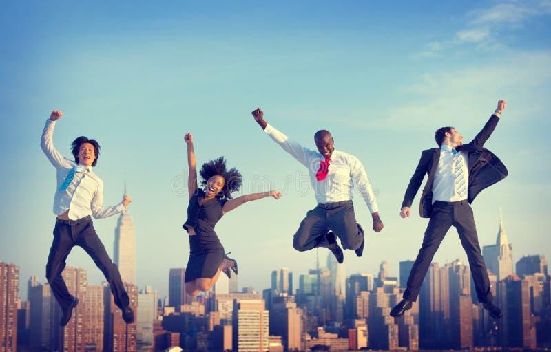 Έννοια πόλεων επιτεύγματος επιτυχίας επιχειρηματιών στοκ φωτογραφία