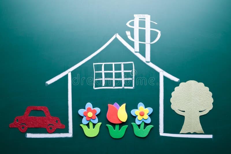 Έννοια πλούτου. Σημάδι χρημάτων στο σπίτι σχεδίων απεικόνιση αποθεμάτων