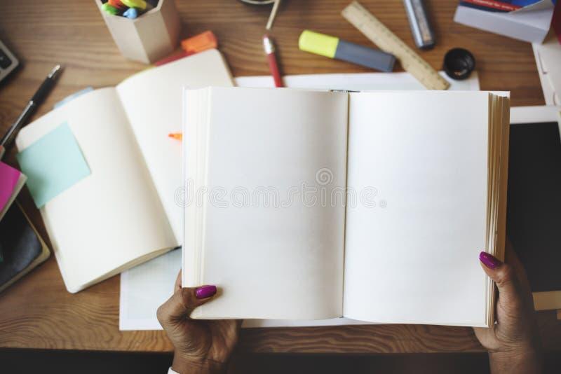 Έννοια στρατηγικής προγραμματισμού επικοινωνίας ίδρυσης επιχείρησης στοκ εικόνα με δικαίωμα ελεύθερης χρήσης