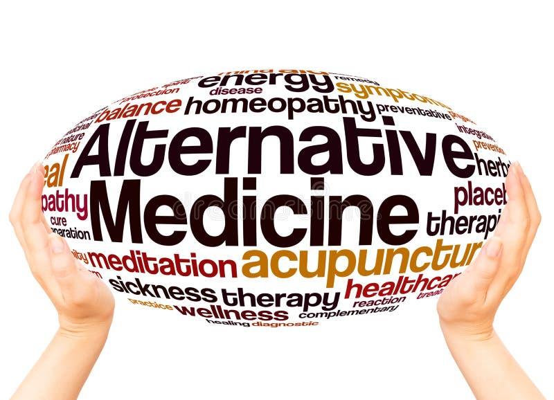 Έννοια σφαιρών χεριών σύννεφων λέξης εναλλακτικής ιατρικής απεικόνιση αποθεμάτων