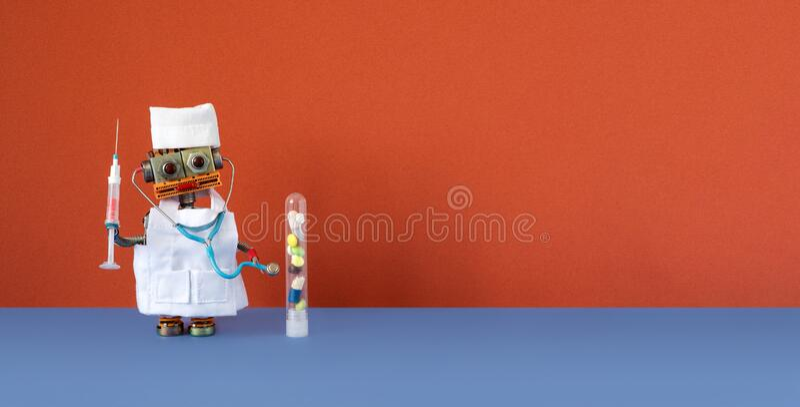 Έννοια της τεχνητής νοημοσύνης της ρομποτικής ιατρικής Ρομπότ με στηθοσκόπιο, εξέταση αίματος σύριγγας, πλαστικό σωληνάριο με στοκ φωτογραφία με δικαίωμα ελεύθερης χρήσης
