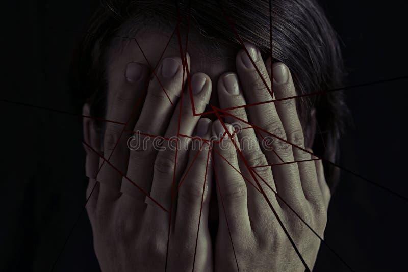 Έννοια του φόβου, οικογενειακή βία στοκ εικόνες