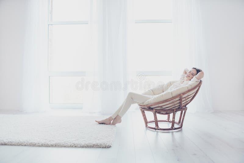 Έννοια του coziness, της ηρεμίας και της χαλάρωσης Η ζωή είναι καλή! Pret στοκ εικόνες