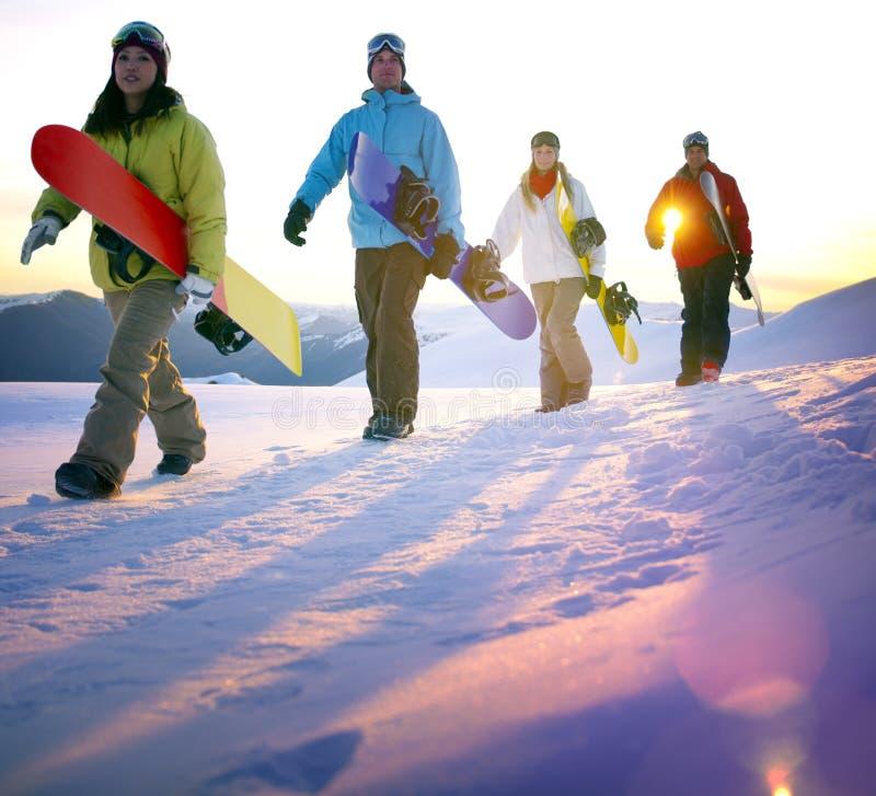 Έννοια χόμπι αναψυχής ανθρώπων Snowboarding υπαίθρια στοκ εικόνα με δικαίωμα ελεύθερης χρήσης