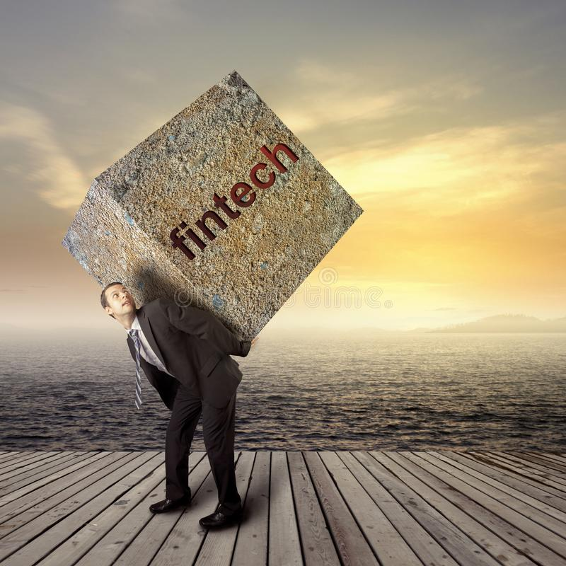Έννοια Fintech με τη επιχειρηματία σχετικά με την οθόνη στοκ φωτογραφία με δικαίωμα ελεύθερης χρήσης