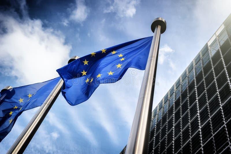 ένωση έδρας της επιτροπής ευρωπαϊκή σημαιών οικοδόμησης του Βελγίου Berlaymont Βρυξέλλες ανασκόπησης στοκ φωτογραφία με δικαίωμα ελεύθερης χρήσης