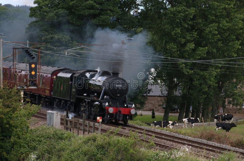 Έξαλλο ειδικό τραίνο ατμού στην κύρια γραμμή δυτικών ακτών στοκ εικόνες