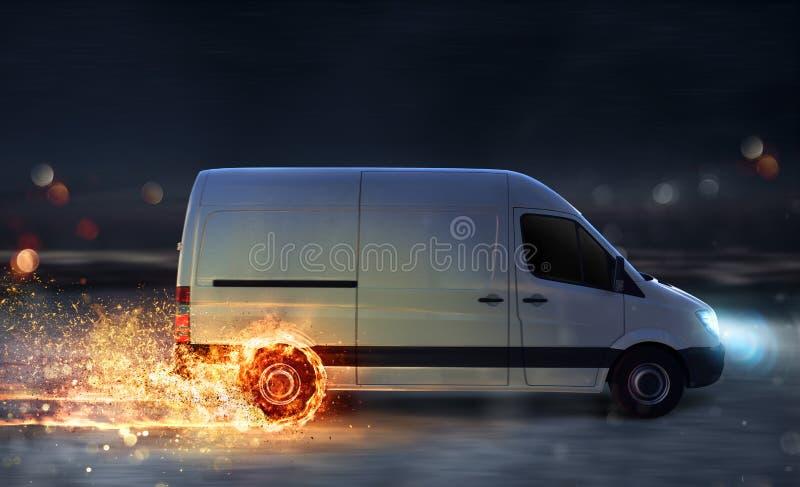 Έξοχη γρήγορη παράδοση της υπηρεσίας συσκευασίας με το φορτηγό με τις ρόδες στην πυρκαγιά στοκ φωτογραφία με δικαίωμα ελεύθερης χρήσης