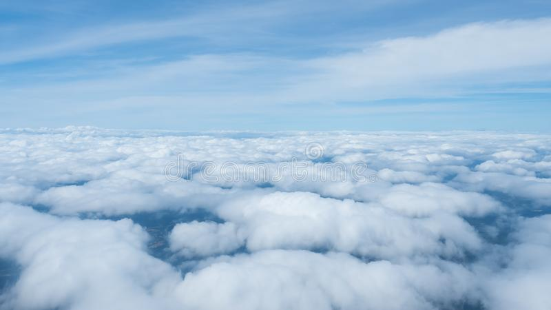 Έξοχοι μεγάλοι σύννεφα και ουρανός στη φύση στοκ φωτογραφίες με δικαίωμα ελεύθερης χρήσης