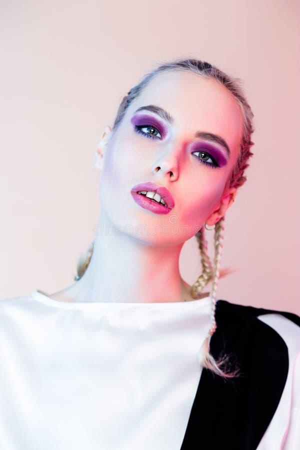 έξυπνη γυναίκα makeup στοκ εικόνες