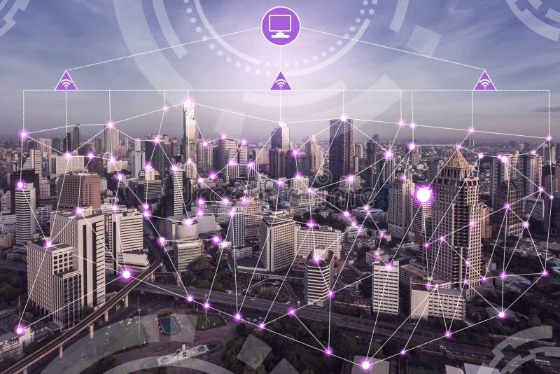 Έξυπνο ασύρματο δίκτυο πόλεων Διαδίκτυο των πραγμάτων στοκ φωτογραφία με δικαίωμα ελεύθερης χρήσης
