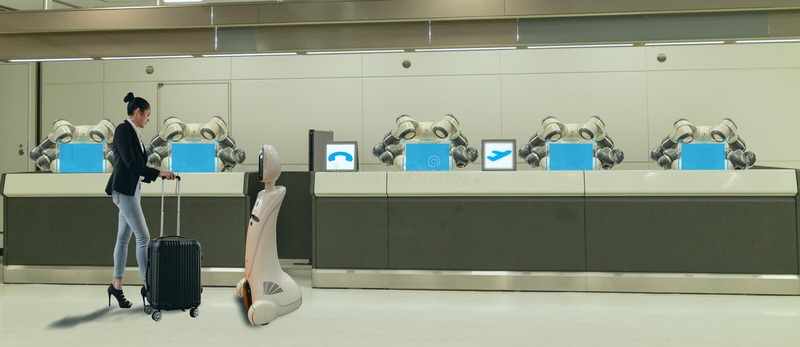 Έξυπνο ξενοδοχείο στη βιομηχανία 4 φιλοξενίας έννοια 0, ο βοηθός ρομπότ ρομπότ ρεσεψιονίστ στο λόμπι του ξενοδοχείου ή αερολιμένε στοκ εικόνες