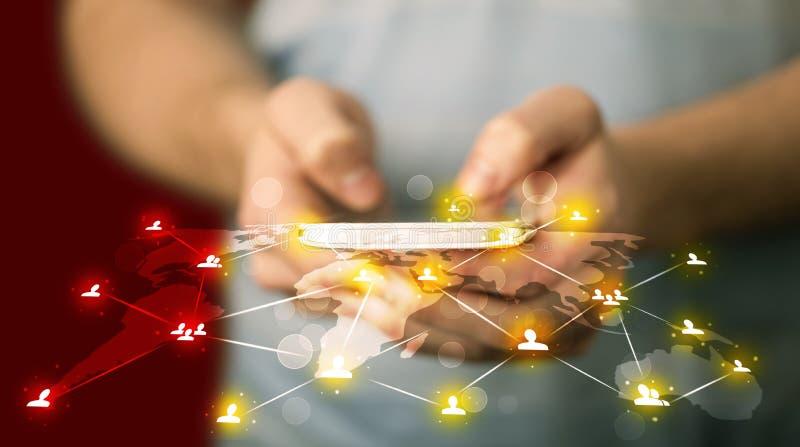 Έξυπνο τηλέφωνο εκμετάλλευσης ατόμων με την κοινωνική σύνδεση δικτύων μέσων