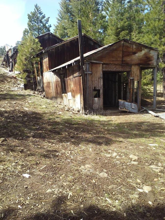 Download Έξω από το ορυχείο στοκ εικόνες. εικόνα από εγκαταλειμμένος - 62706856