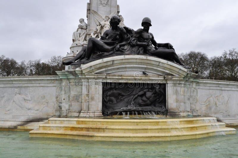 Έξω από το Buckingham Palace στοκ φωτογραφία με δικαίωμα ελεύθερης χρήσης