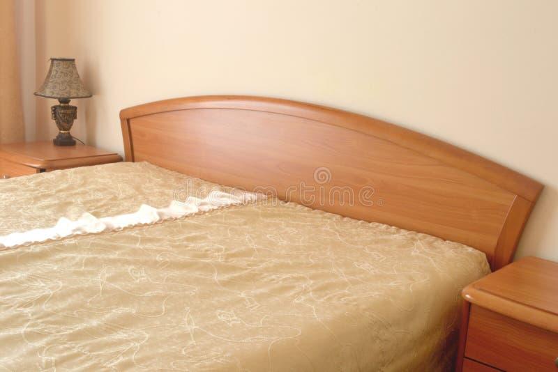 Έπιπλα κρεβατοκάμαρων σε ένα δωμάτιο ξενοδοχείου στοκ εικόνες με δικαίωμα ελεύθερης χρήσης