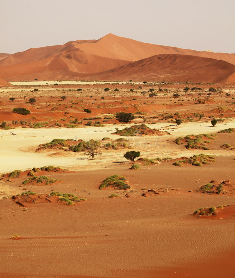 Download έρημος στοκ εικόνες. εικόνα από άμμος, αμμόλοφος, τοπίο - 13183514