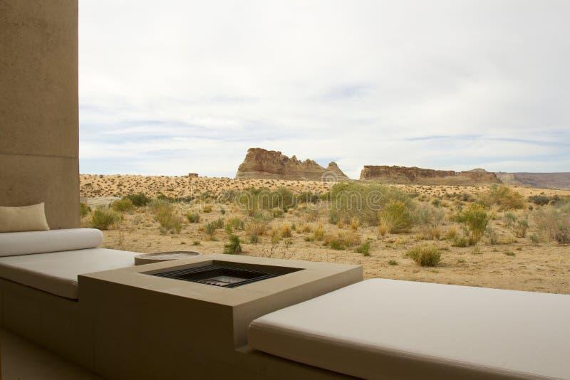 Έρημος Patio με τις απόψεις του μεγάλου Escalante σκαλών εθνικού πάρκου στοκ εικόνα με δικαίωμα ελεύθερης χρήσης