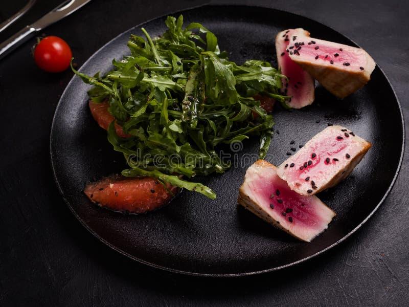 Έτοιμη γίνοντη εύγευστη σαλάτα κρέατος cobb στοκ εικόνες