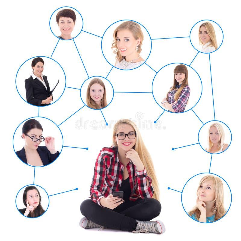 Έφηβη με το έξυπνο τηλέφωνο και το κοινωνικό δίκτυό της που απομονώνεται επάνω στοκ φωτογραφία με δικαίωμα ελεύθερης χρήσης