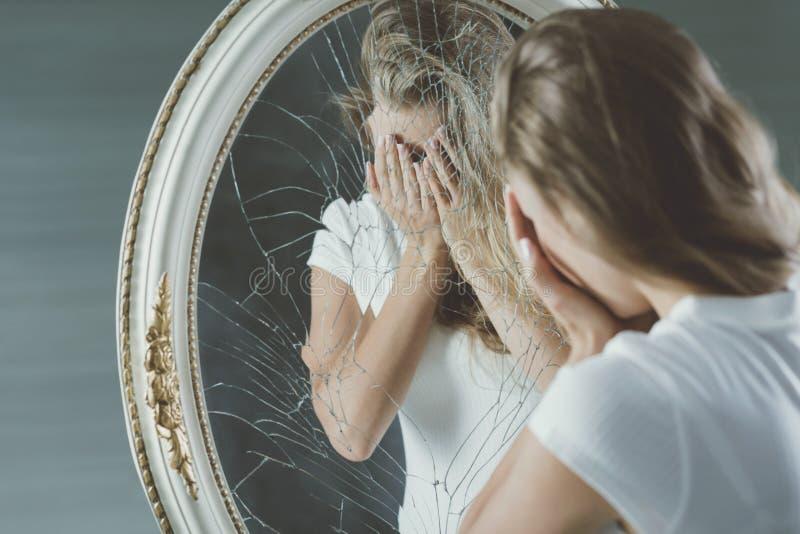 Έφηβος με τη διανοητική ασθένεια στοκ εικόνες