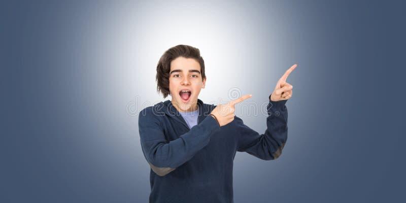 Έφηβος που απομονώνεται νέος στοκ εικόνες με δικαίωμα ελεύθερης χρήσης