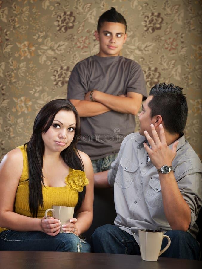 Έφηβος Disprespectful με τους προγόνους στοκ φωτογραφίες