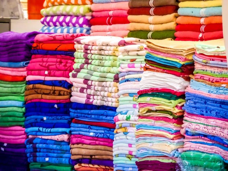 Έχετε τις πετσέτες στα μέρη των μορφών και των χρωμάτων μεγεθών στοκ φωτογραφία με δικαίωμα ελεύθερης χρήσης