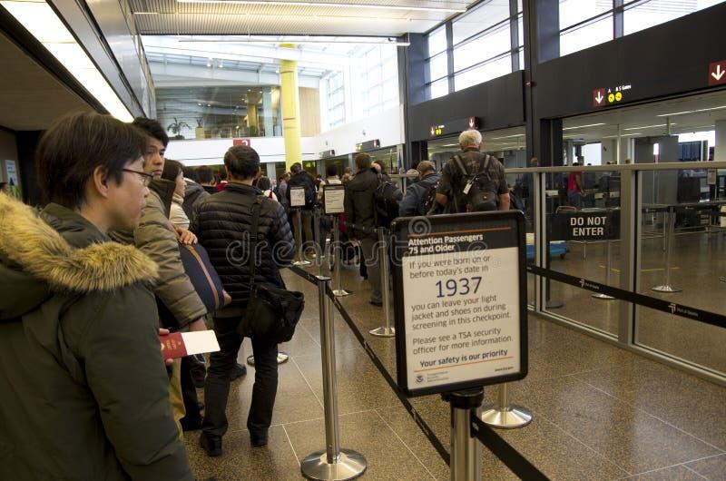 Έλεγχος ασφαλείας στον αερολιμένα του Σιάτλ στοκ εικόνα με δικαίωμα ελεύθερης χρήσης