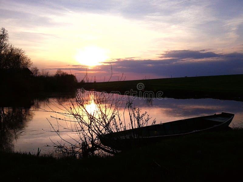 Έλλειψη ηλιοβασιλέματος στοκ εικόνες