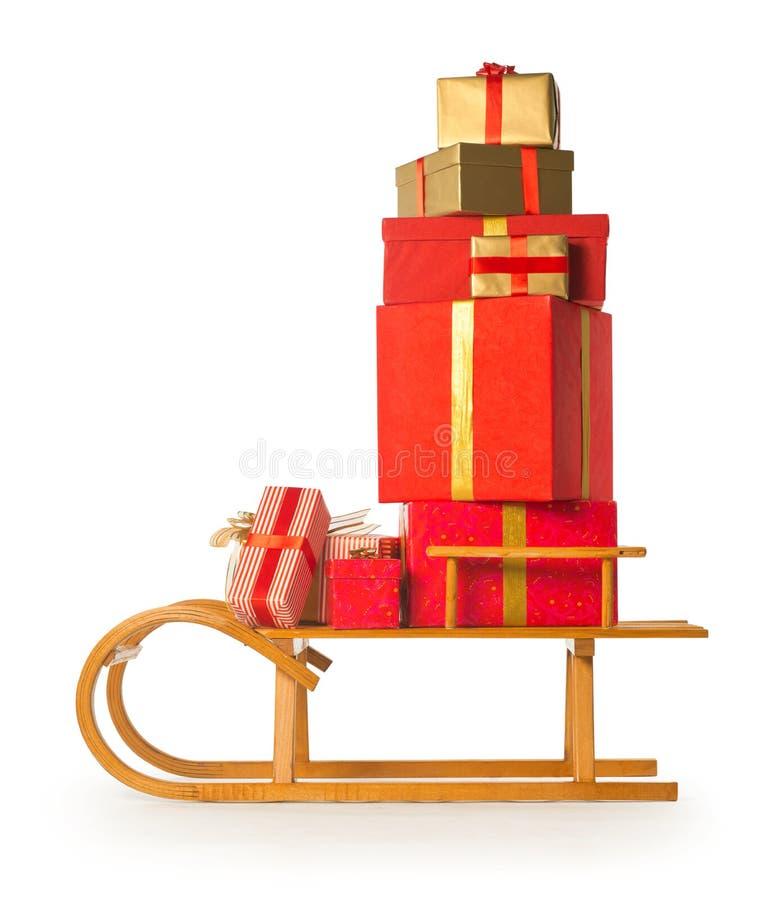 Έλκηθρο με τα χριστουγεννιάτικα δώρα στοκ εικόνες με δικαίωμα ελεύθερης χρήσης