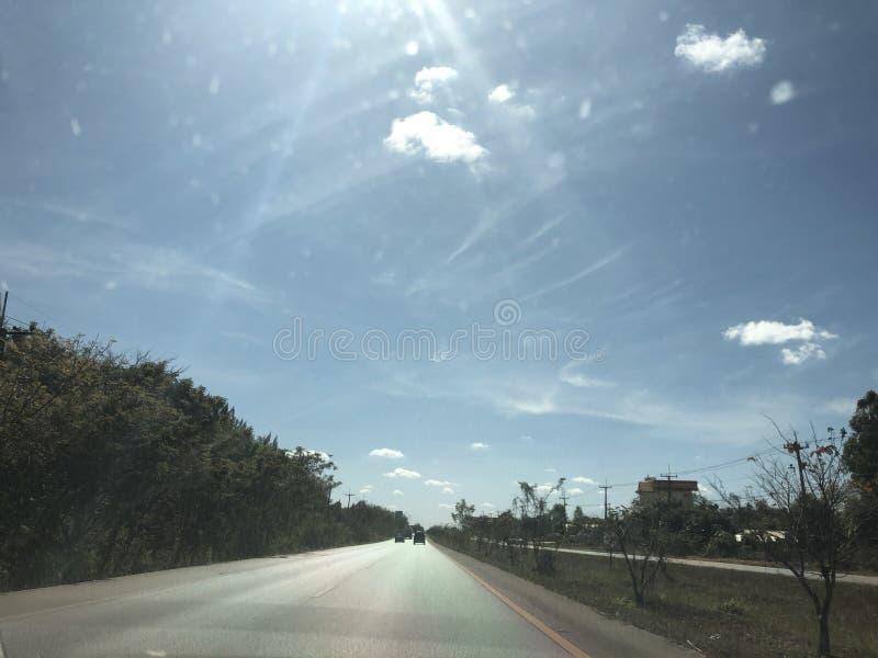 Ήλιος ηλιόλουστος στοκ φωτογραφίες με δικαίωμα ελεύθερης χρήσης