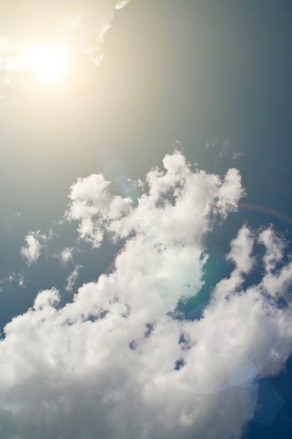 ήλιος ουρανού σύννεφων στοκ φωτογραφίες με δικαίωμα ελεύθερης χρήσης