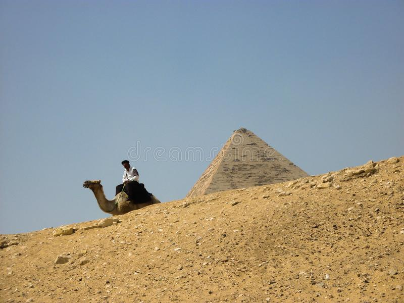 Ήλιος ταξιδιού ερήμων άμμου πυραμίδων της Αιγύπτου στοκ εικόνες
